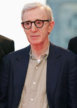 Woody Allen: Köpeklerden, yükseklikten ve kapalı kalmaktan korkuyor.